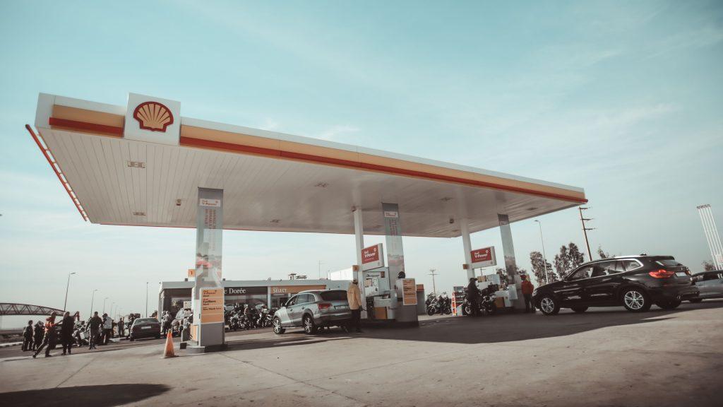 Crashende olieprijs zorgt voor torenhoog dividend Shell